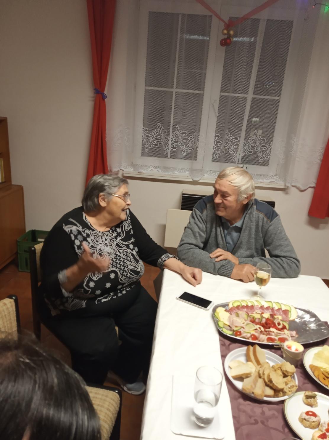 Posezení s důchodci (08)