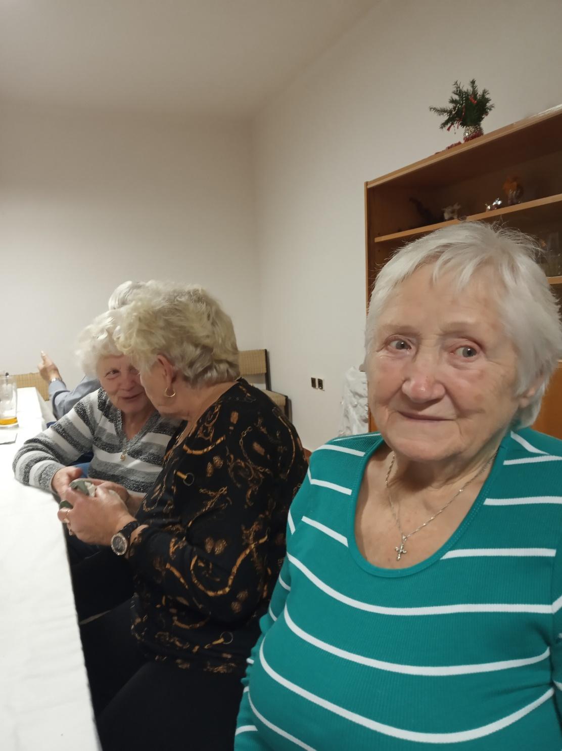 Posezení s důchodci (07)